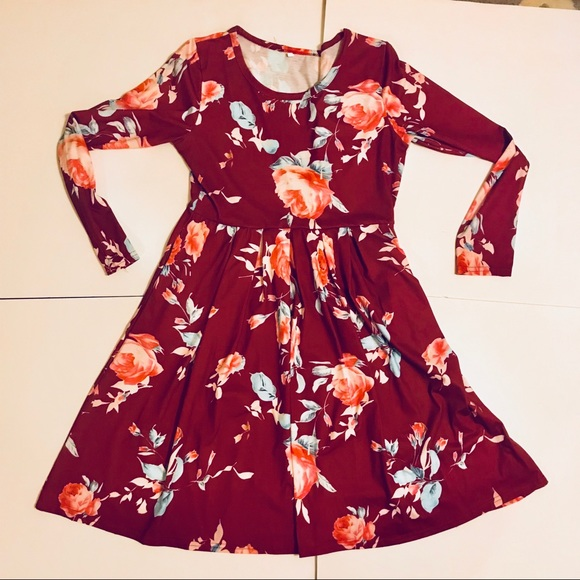 ZESICA Dresses & Skirts - ZESICA long sleeve floral swing dress